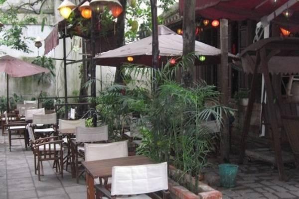 Một góc của Xưa và Nay Cafe