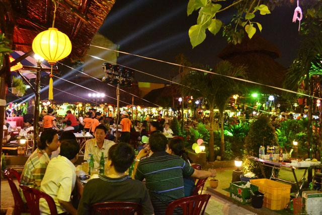 Quáncòn là địa điểm lý tưởng cho những buổi tiệc liên hoan, sinh nhật