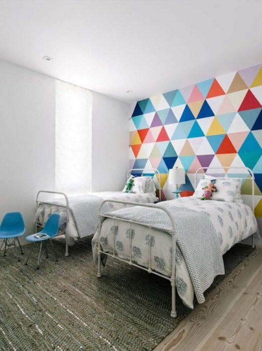 Giấy dán tường với đủ màu sắc sặc sỡ cho cả bé trai và bé gái