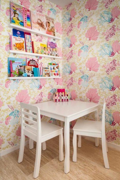 Giấy dán tường họa tiết san hô cho bé gái