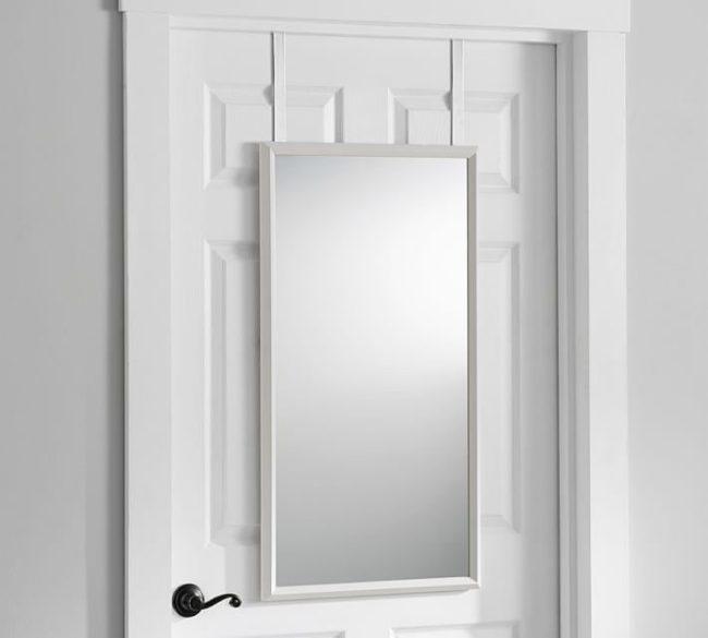 Gương tương thích với thiết kế của cửa