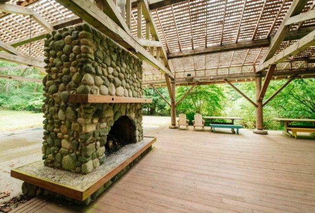 Cấu trúc chắc chắn giúp ngôi nhà vẫn vững vàng