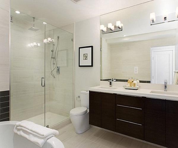 Nên sử dụng gương hình vuông cho phòng tắm