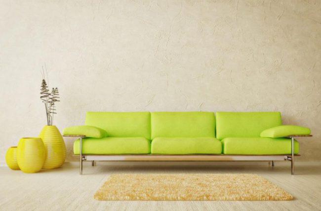 Nên đặt ghế sofa dựa vào tường nhà