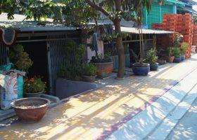 Nền nhà thấp hơn mặt đường bạn nên làm gì?
