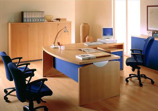 Dọn dẹp ngăn nắp bàn làm việc
