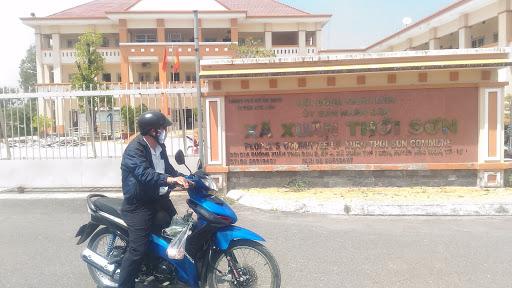 Ủy ban nhân dân xã Xuân Thới Sơn